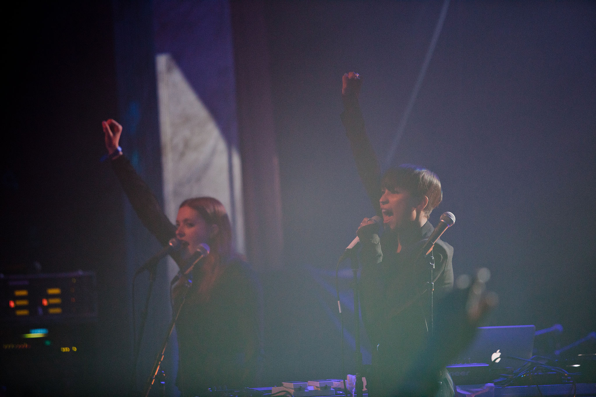 Icona Pop - iTunes Festival - Roundhouse - London - Konzert - Auftritt - Gratis - Kostenlos - Free - Hack4Life