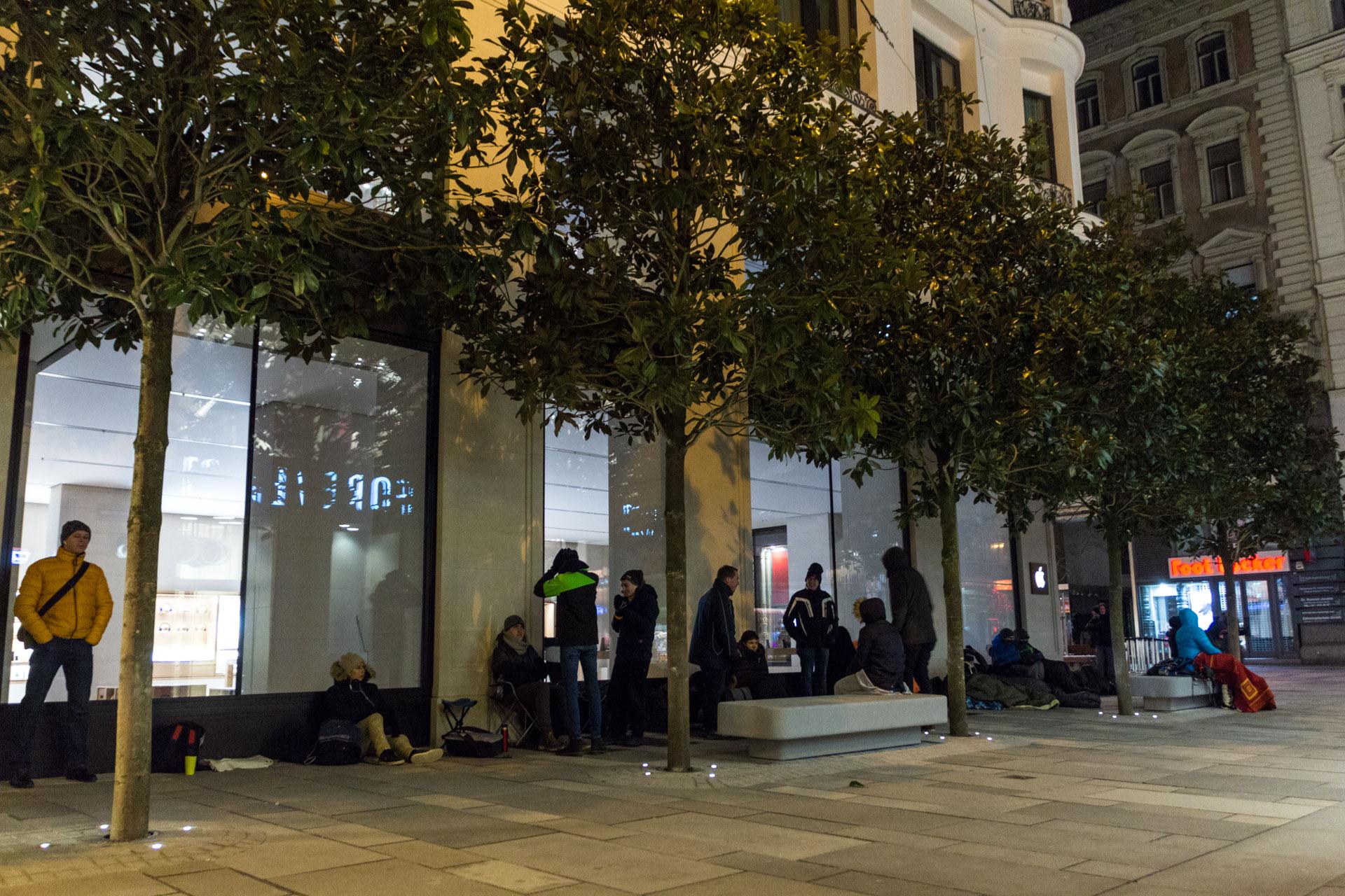Apple Store Kärntnerstraße, Grand Opening, Eröffnung, Warteschlange, Hack4Life, Fabian Geissler