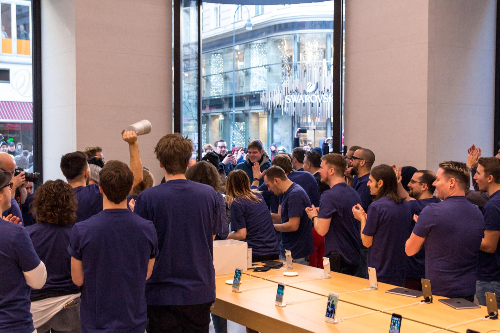 Abhilfe mit neuem Lautsprecher, Apple Store Kärntnerstraße, Grand Opening, Hack4Life, Fabian Geissler, Wien