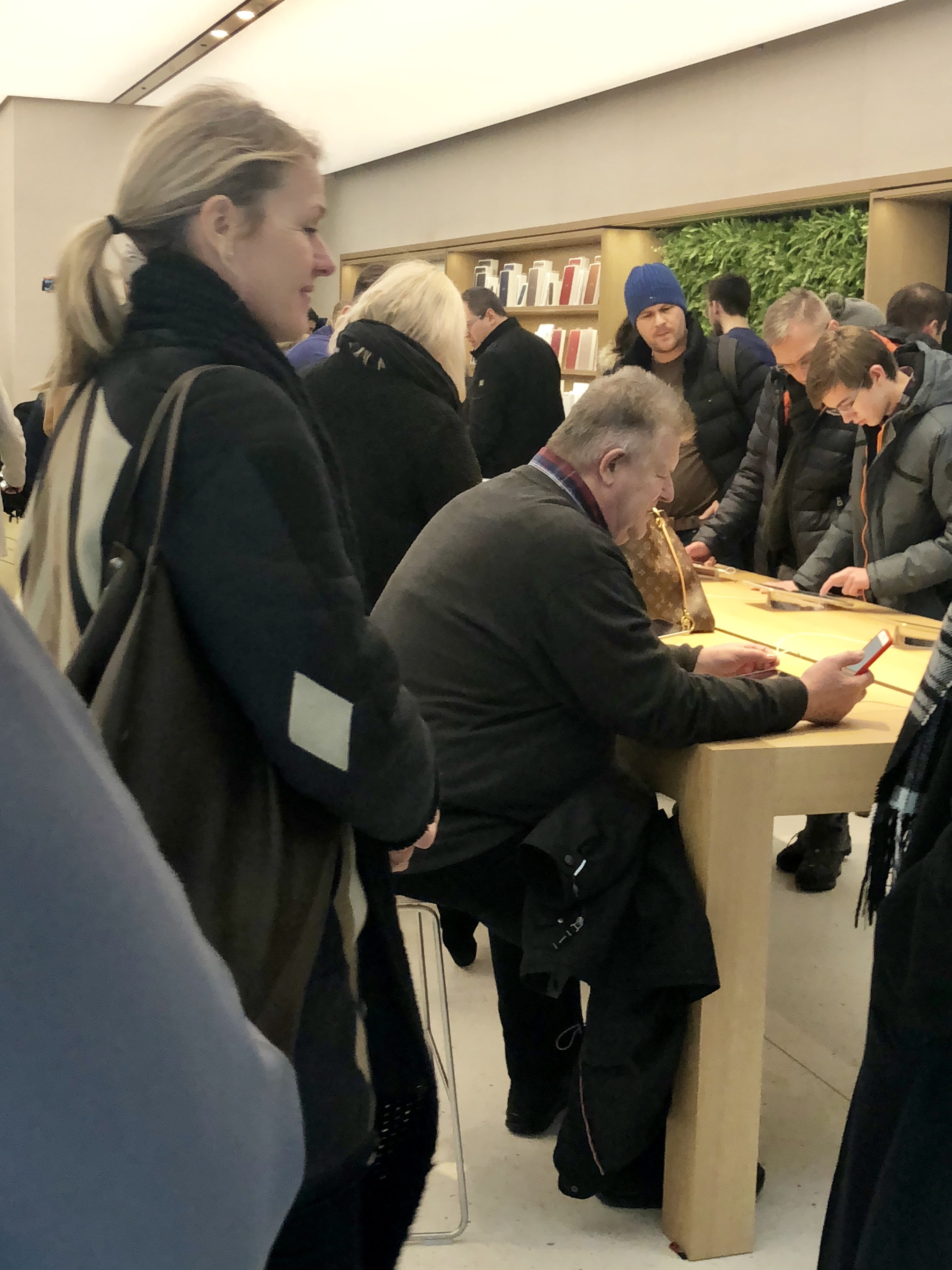 Angela Ahrendts in Wien, Leitung der Apple Stores und des Online Store, Apple Store Kärntnerstraße, Hack4Life, Fabian Geissler