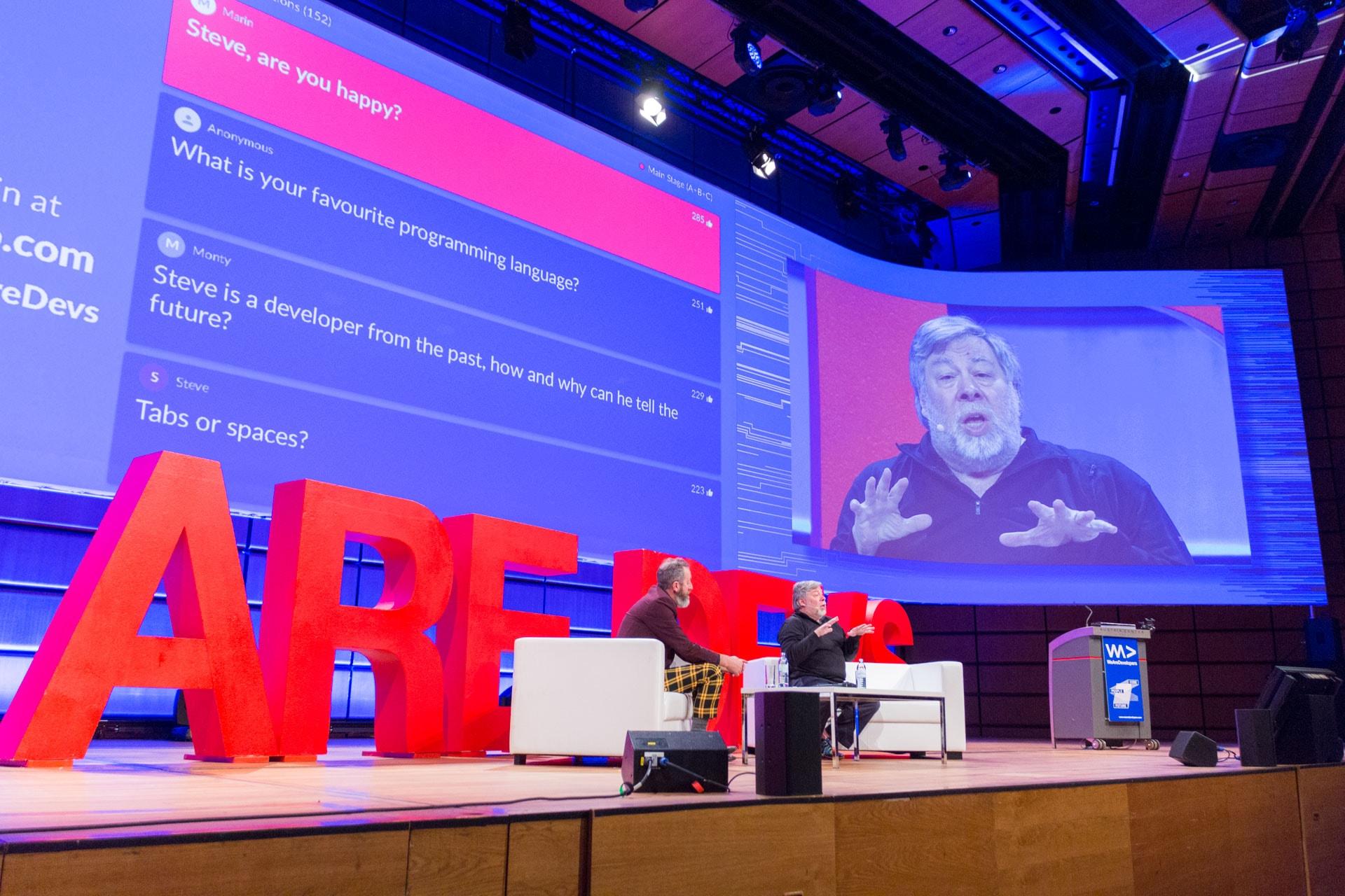 Steve Wozniak und sein Algorithmus zum Glücklichsein - Fireside Chat mit Monty Munford beim WeAreDevelopers World Congress 2018 im Austria Center Vienna