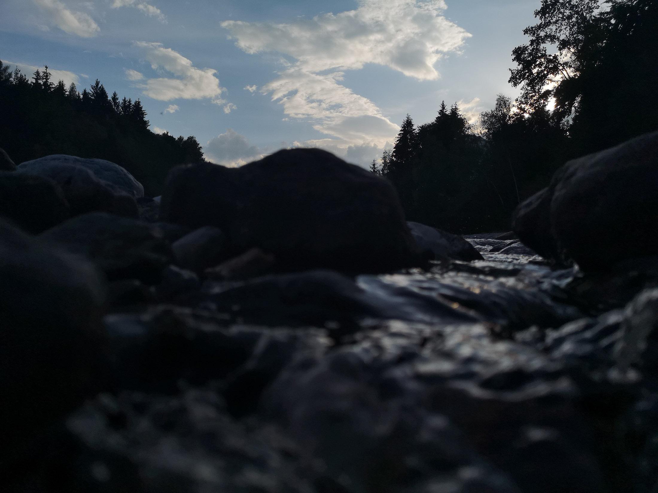Aufnahme kurz vor Sonnenuntergang in dunkler Umgebung mit dem Huawei P20 Pro, Hack4Life, Fabian Geissler, Kamera, Vergleich, seriös, unabhängig, unglaublich