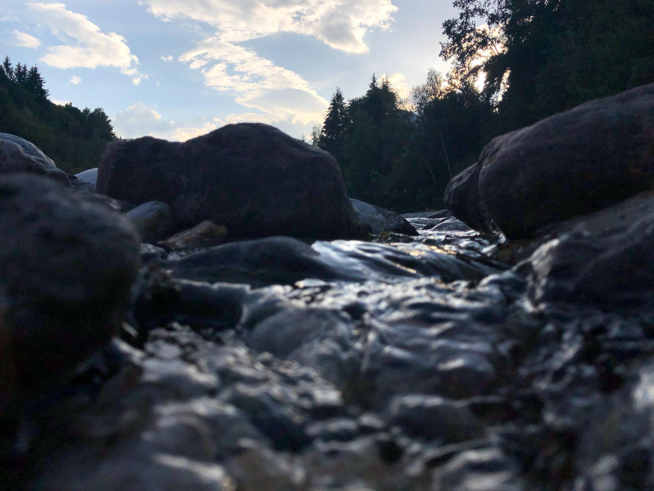 Aufnahme kurz vor Sonnenuntergang in dunkler Umgebung mit dem iPhone X, Hack4Life, Fabian Geissler, Kamera, Vergleich, seriös, unabhängig, unglaublich